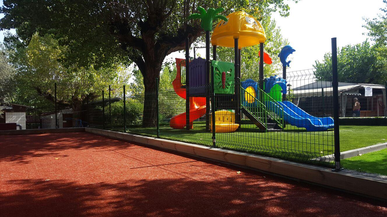 campeggio per bambini parco giochi  lago di garda