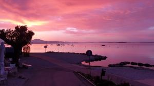 Vacanze invernali sul lago di garda: tramonto