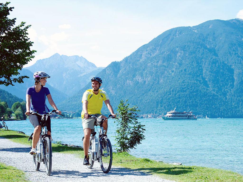 noleggio bici elettriche. escursioni in famiglia sul lago di garda